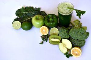 grønne grønsaker og frukt